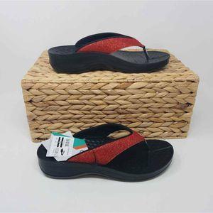 NWOB Aerothotic Womens Flip Flop Sandals 9